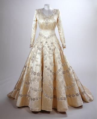192769_royalweddingdresssmall