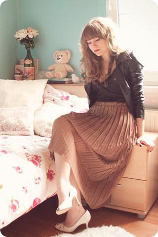 light-brown-sheer-pleated-lookbook-store-skirt-black-h-m-intimate_400_thumb