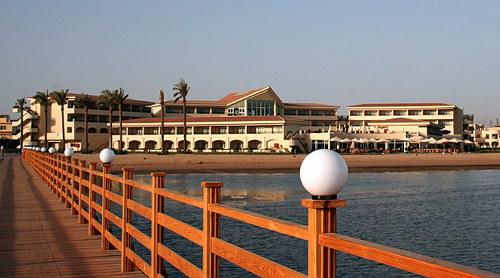 1287527381_intourist-paradise-beach-5-panorama