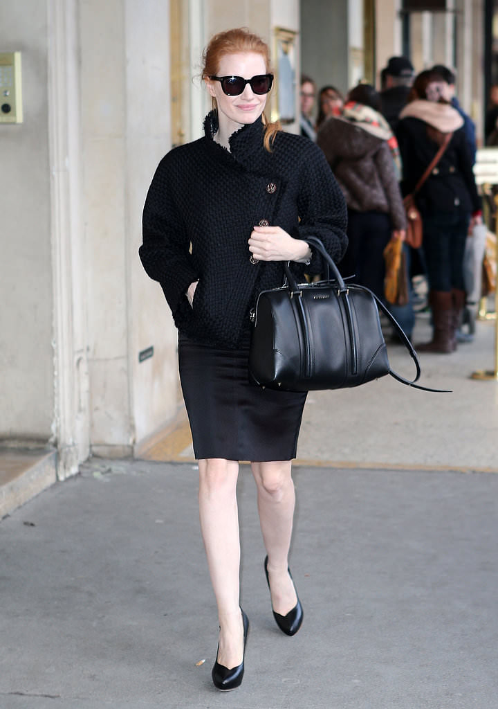 00-Jessica-stuck-her-all-black-theme-tweed-jacket-pencil-skirt-Givenchy-bag-platform-pumps-while-strolling-streets-Paris
