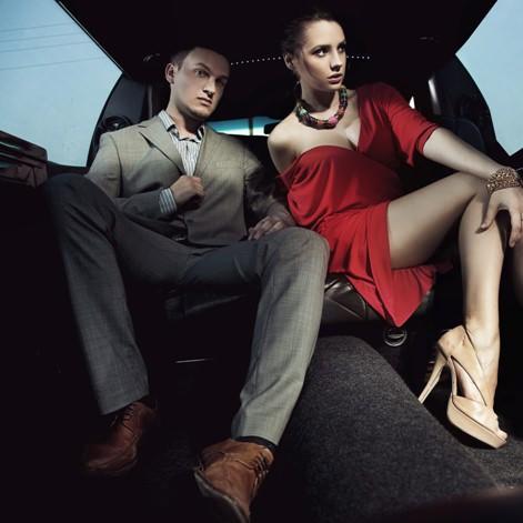 couple_man_woman_beauty_limousine_80554_2048x2048
