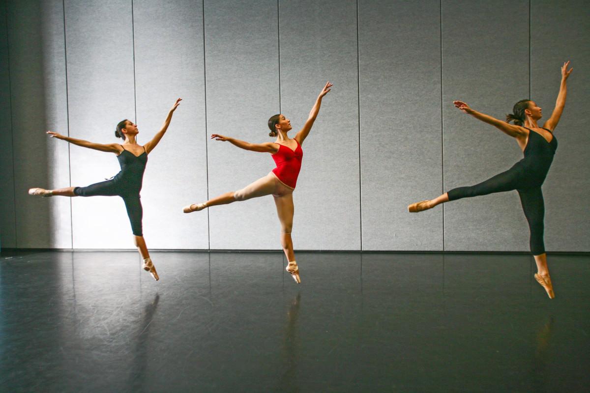 333_1nwsa_dance_class