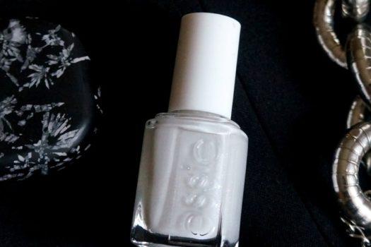 Ода минимализму: лак  для ногтей Essie To buy or not to buy