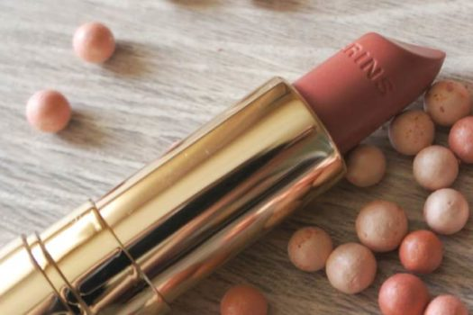 Помада — блеск Joli Rouge Brillant от Clarins