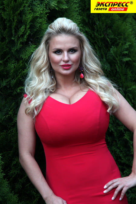 онлайн женщины с большой грудью