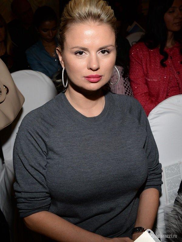 Худая девушка с большой грудью что носить