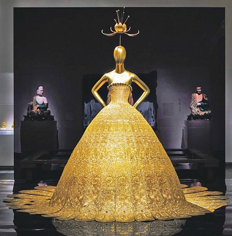 фильм бал  работа над выставкой Китай зазеркалье