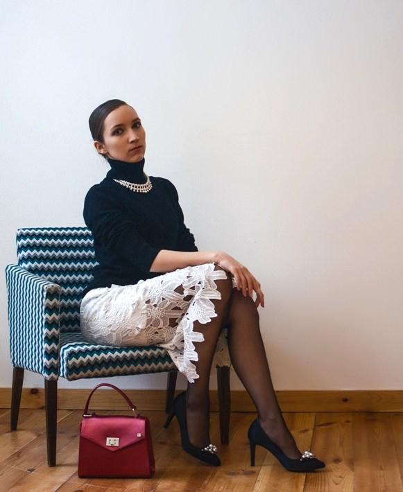 белая кружевная юбка черные лодочки