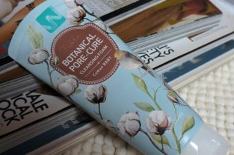 Пена для умывания Welcos Fiore Botanical Pore Cure  Cotton Baby